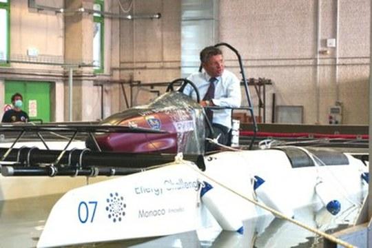 Ecco UniBo.A.T, l'imbarcazione a zero emissioni realizzata dagli studenti dell'Alma Mater